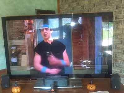 تعمیر پنل آبخورده تلویزیون
